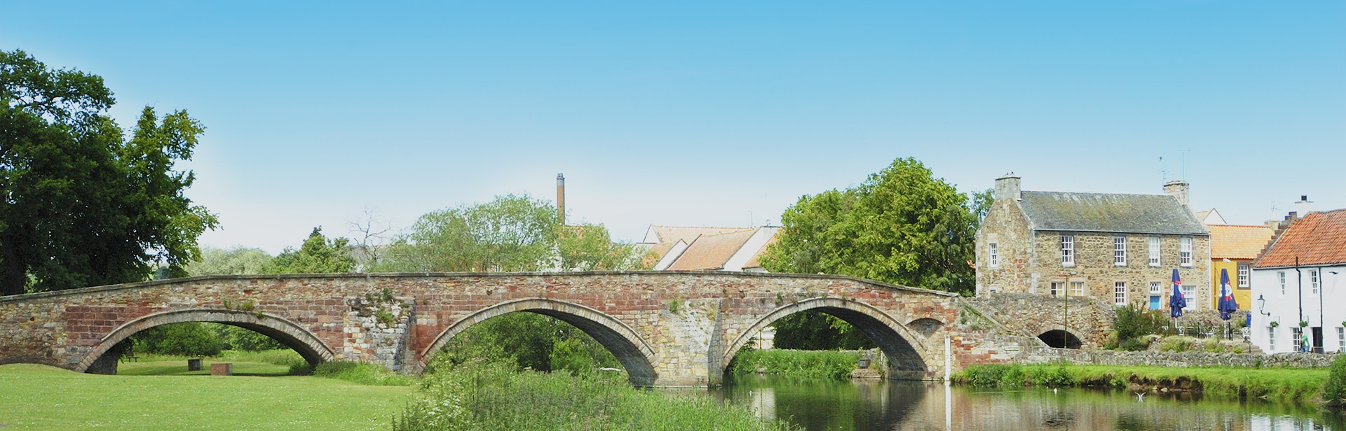 Bridge over the River Tyne in Haddington